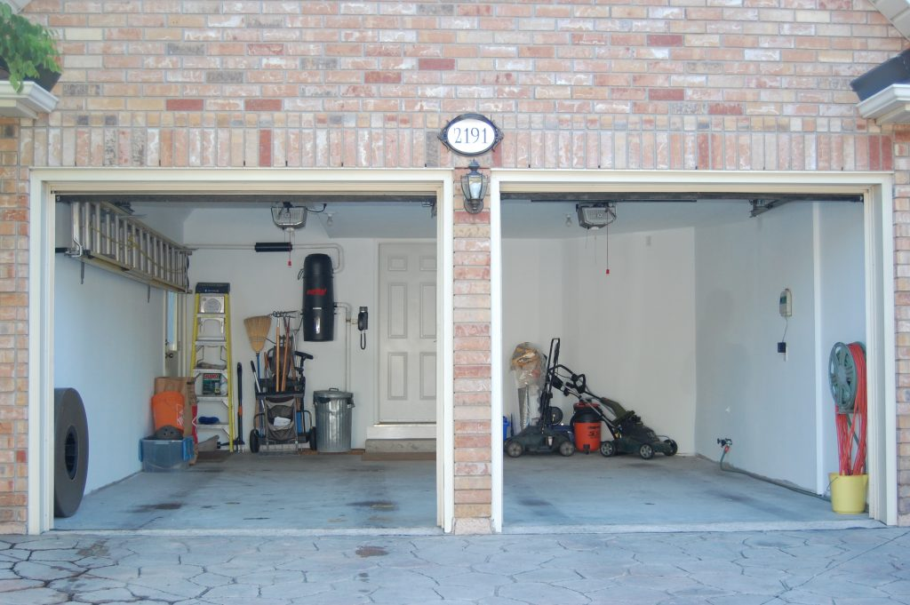 garage before picture