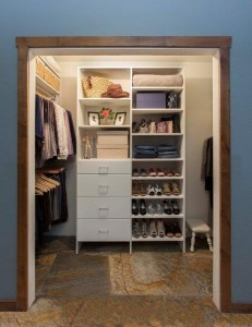 ahhh... a beautifully organized closet