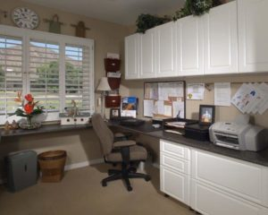 White Office in Raised Panel-Right Workstation
